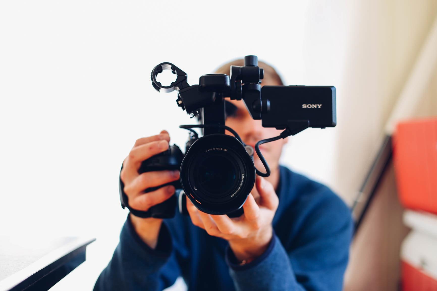 | 動画・映像編集をフリーランスのクリエイターに依頼するには?おすすめの依頼方法も紹介